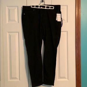 NWT black skinny jeans